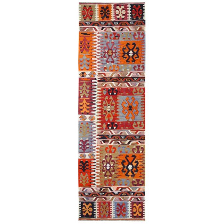 Çal Kilim antique rug corridor size paris