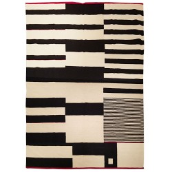 Black and white rug paris