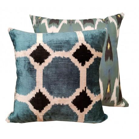 blue cushion paris