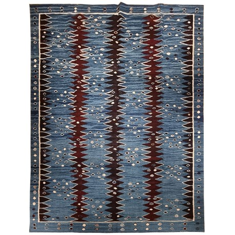 oversize contemporary rug