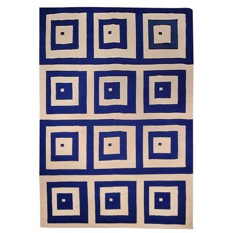 Graphic rug bleu white