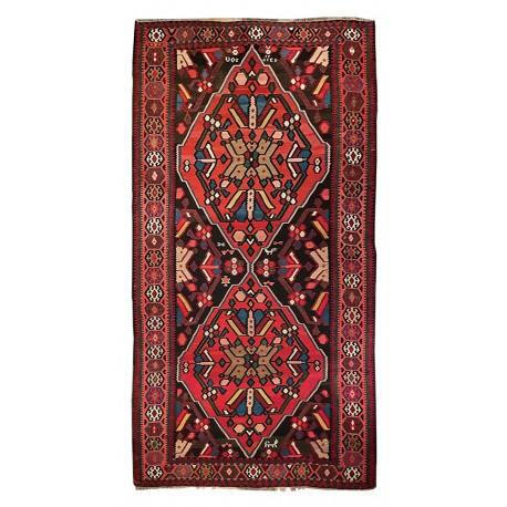 Caucasian rug paris